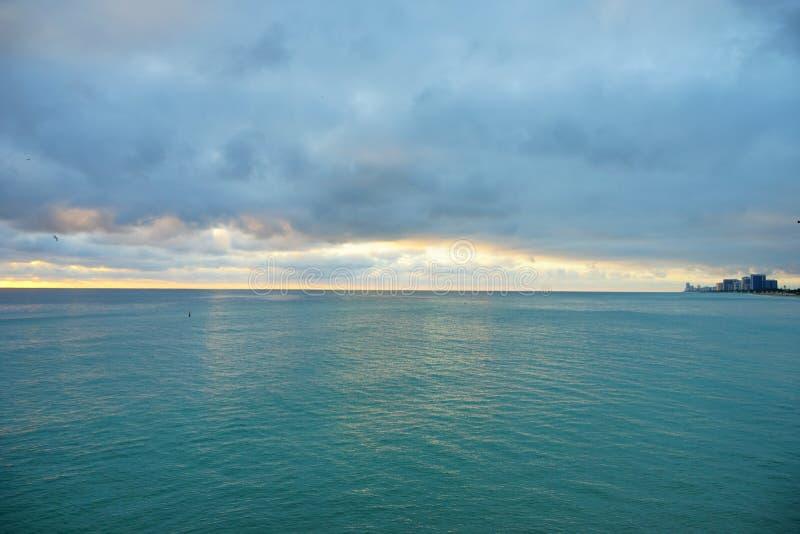 Subida del sol de Miami fotos de archivo libres de regalías