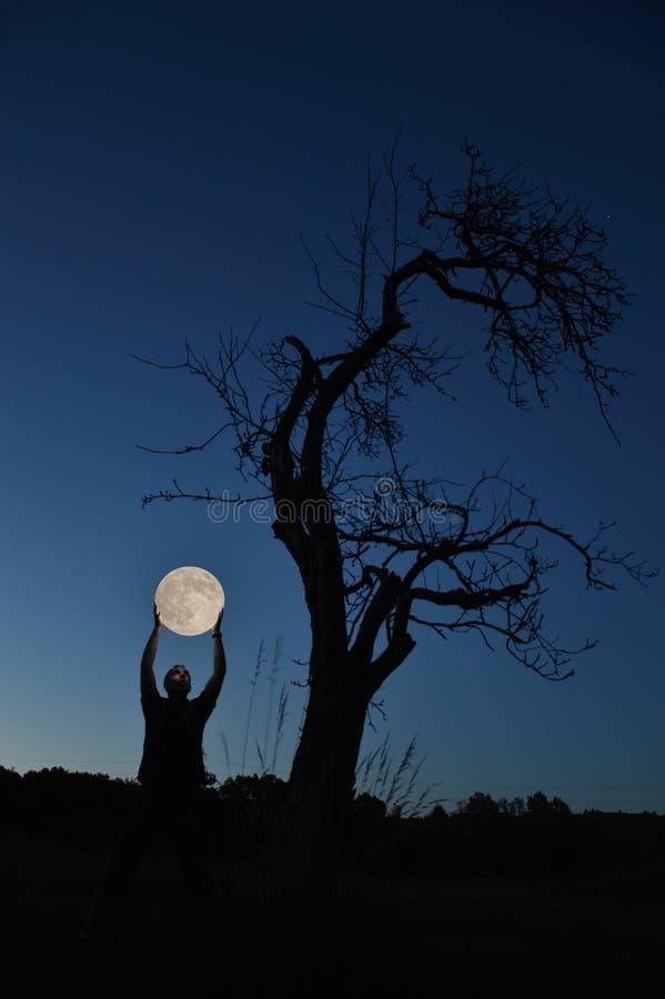 Subiendo la Luna Llena fotografía de archivo libre de regalías