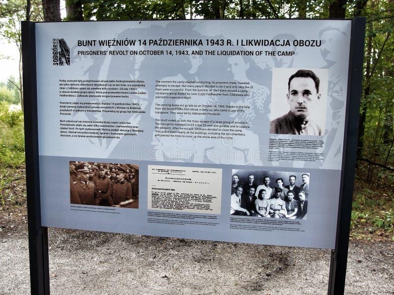 Sublevación conmemorativa del aboud del tablero en campo nazi de la exterminación de Sobior en 1943 foto de archivo