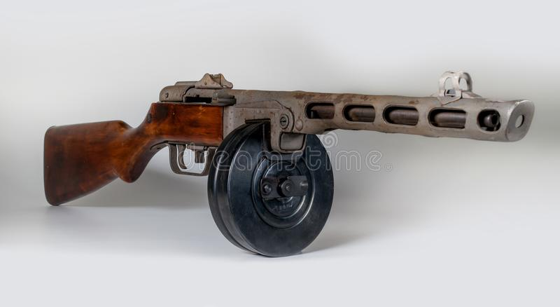 Submachine πυροβόλο όπλο ppsh-41 σε ένα ελαφρύ υπόβαθρο στοκ φωτογραφία