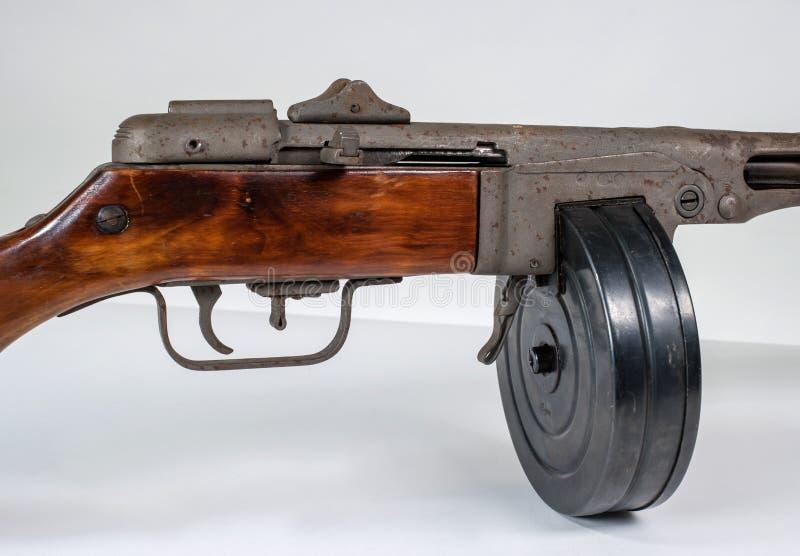 Submachine πυροβόλο όπλο ppsh-41 σε ένα ελαφρύ υπόβαθρο στοκ εικόνα