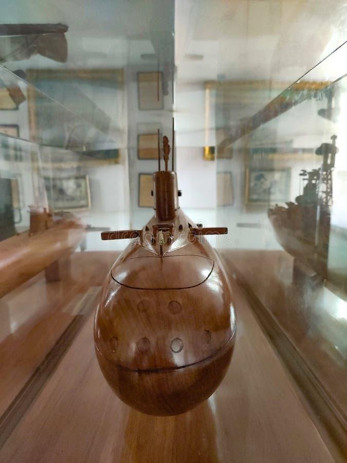Submarino feito por madeira, ludhiana, índia, em 16 de agosto de 2019:Maharaja Ranjit Singh War Museum criado em 1999 imagens de stock