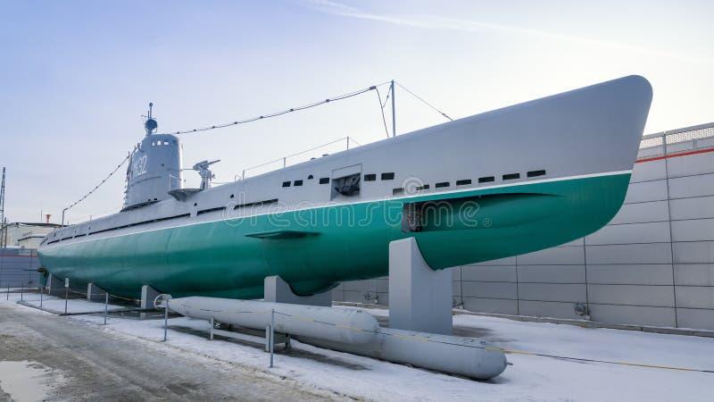Submarino militar do russo com torpedos fotografia de stock
