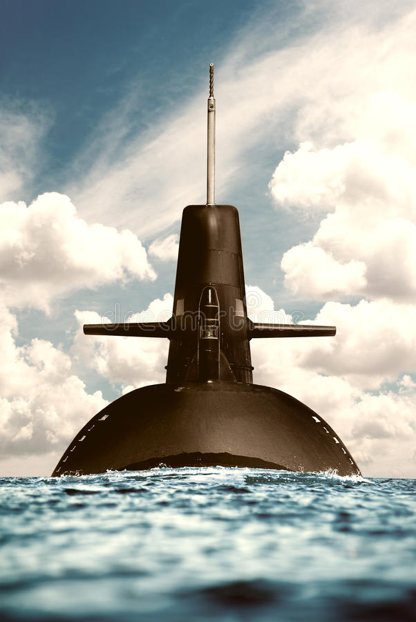 Submarino nuclear en el océano. imagen de archivo