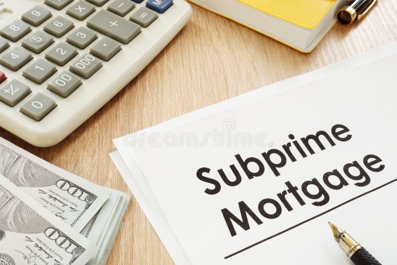 Subprime hipoteki pióro i forma obrazy royalty free