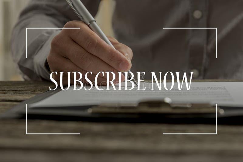 Subscreva agora o texto sobre a cena conceptual do negócio fotos de stock royalty free