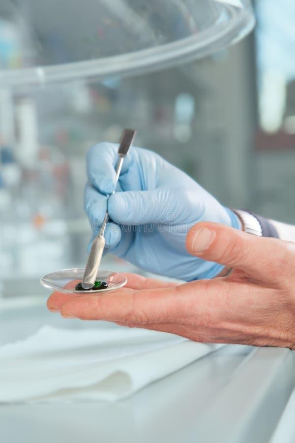 Substanci chemicznej zieleni pasta obraz royalty free