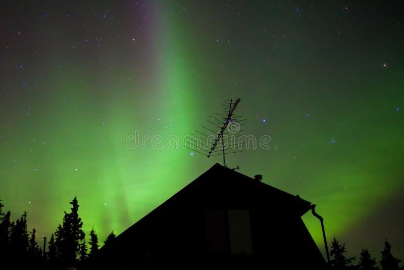 Substorm das luzes do norte (borealis da Aurora) foto de stock royalty free
