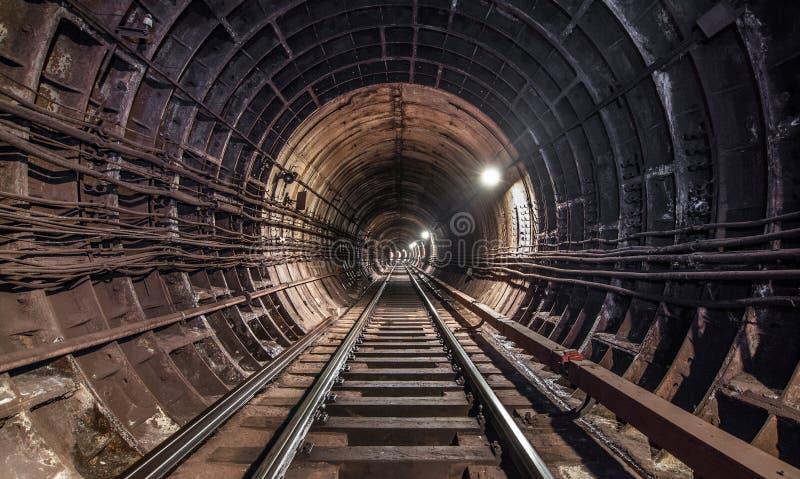 Subterráneo viejo del túnel en Moscú imagen de archivo libre de regalías