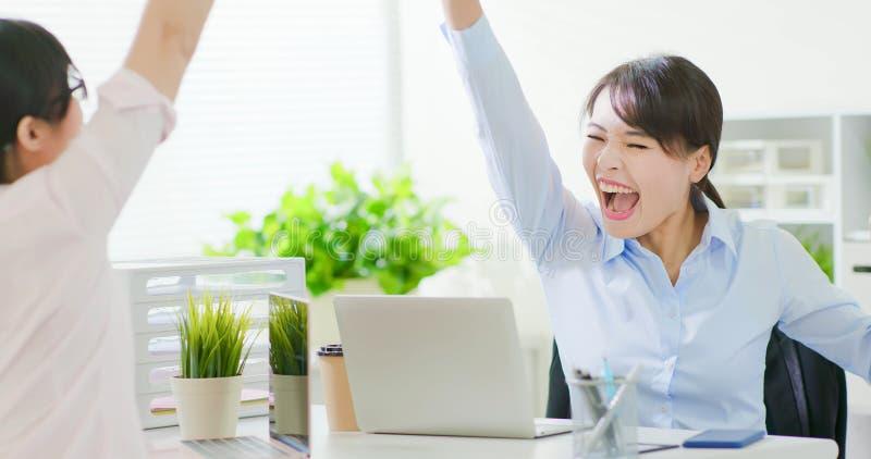 Succes bedrijfsvrouwengroepswerk stock afbeelding