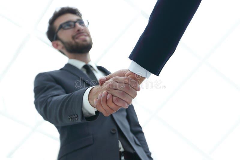 Succesconcept in zaken - handdruk van partners stock afbeelding