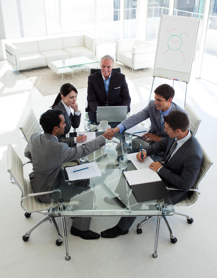 Free Succesful Business People Shaking Hands Royalty Free Stock Photos - 12119878