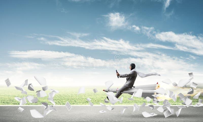 Successo di affari e concetto di risultato degli obiettivi royalty illustrazione gratis