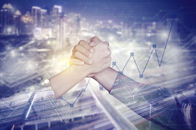 Succesvolle bedrijfsmensen met dubbele blootstelling stock afbeelding