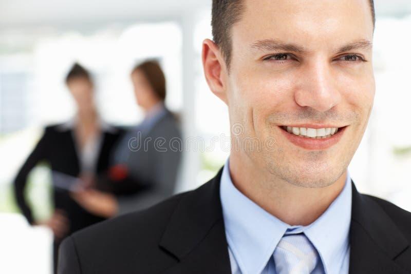 Succesvolle jonge zakenman stock afbeelding