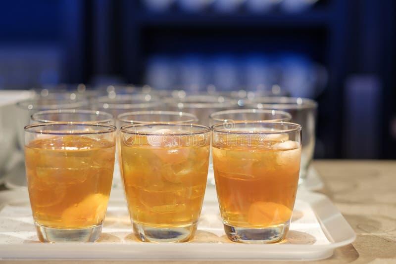 Succo di frutta in vetro immagine stock
