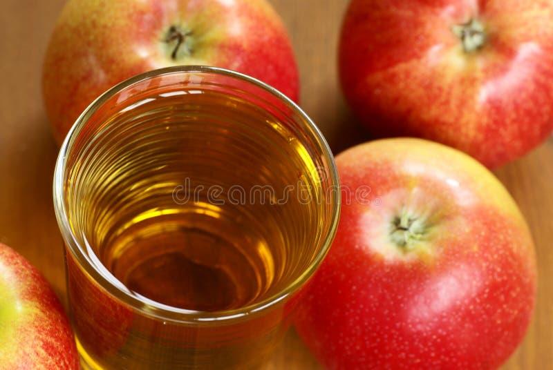 Succo di mele fotografie stock libere da diritti