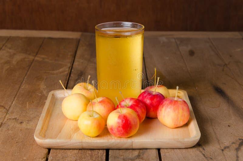 Succo di mele fotografie stock
