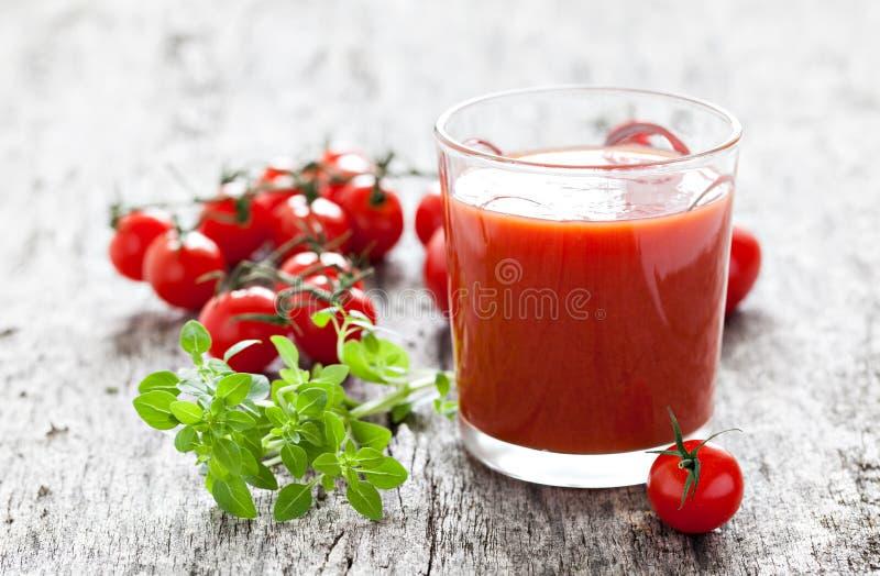 Succo di pomodoro fresco fotografia stock libera da diritti