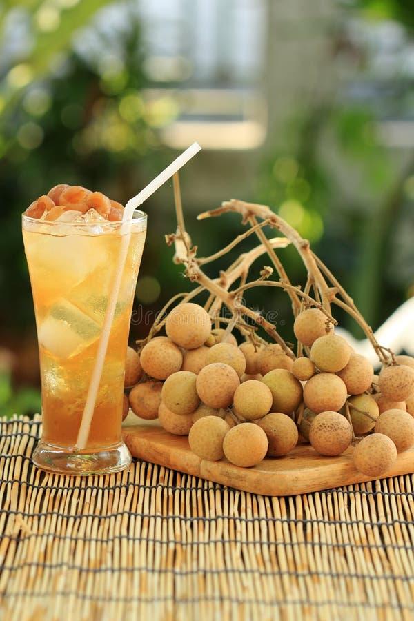 Succo fresco del longan immagini stock