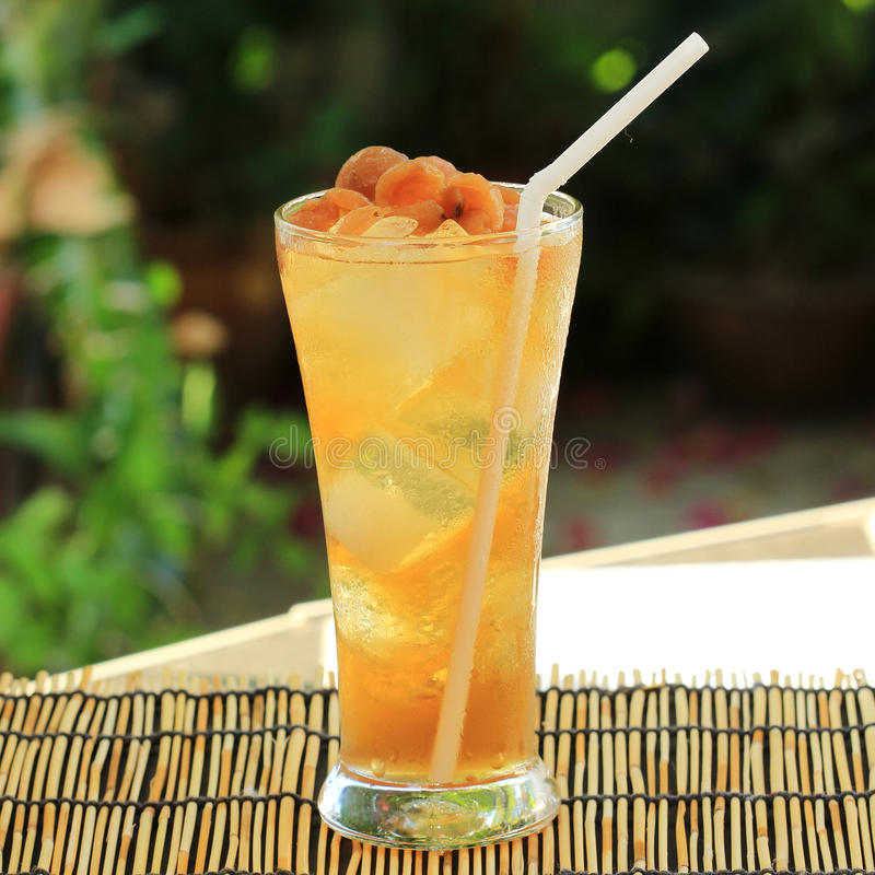 Succo fresco del longan immagine stock
