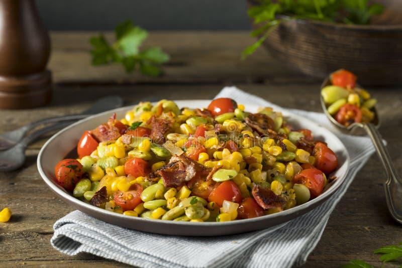 Succotash caseiro com Lima Beans imagens de stock