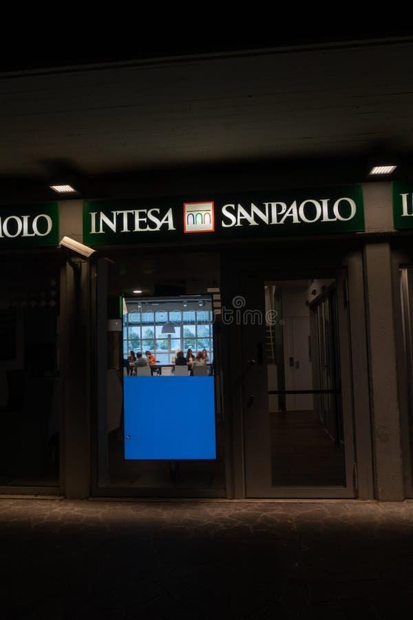 Succursale bancaire d'Intesa Sanpaolo photographie stock