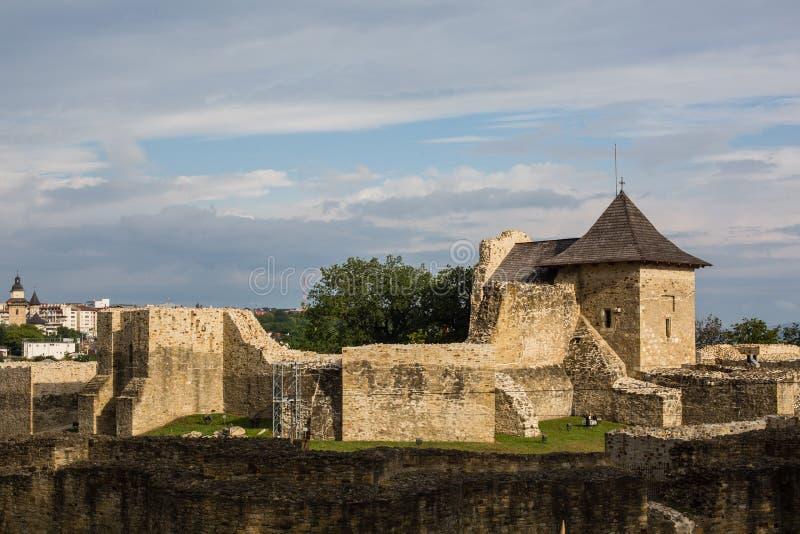 Suceava, Roumanie - 16 JUILLET 2017 : Ancienne forteresse royale de Suceava en Roumanie images libres de droits