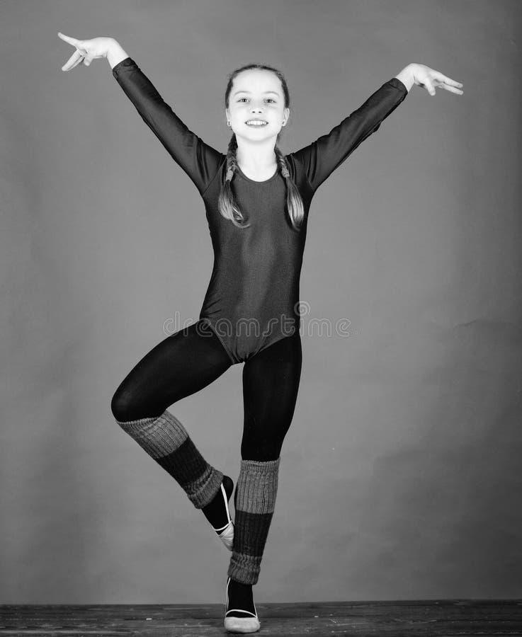 Sucesso Ilustra??o do bailado dancer Atividade da inf?ncia gymnastics Desportista feliz da crian?a Exerc?cio do gym da acrobacia  imagens de stock royalty free