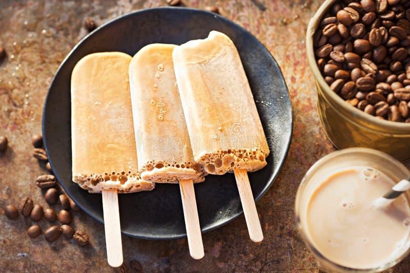 Sucettes glacées de café photos stock