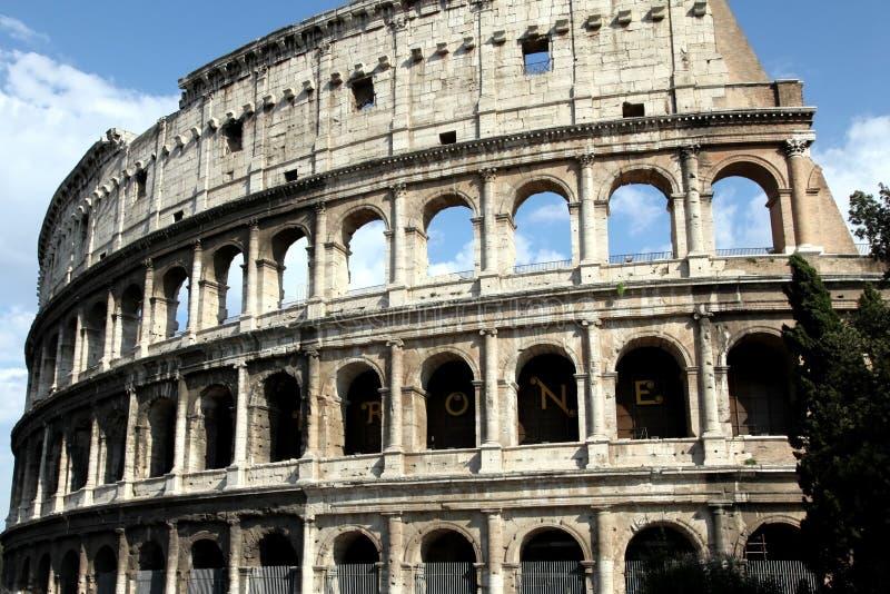 Sucherlandschaft von Colosseum stockbild