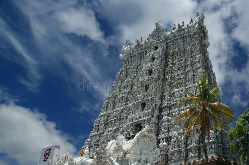Suchindram tempel som är hängiven till gudarna Shiva, Vishnu och Brahma Kanniyakumari södra Indien arkivfoto