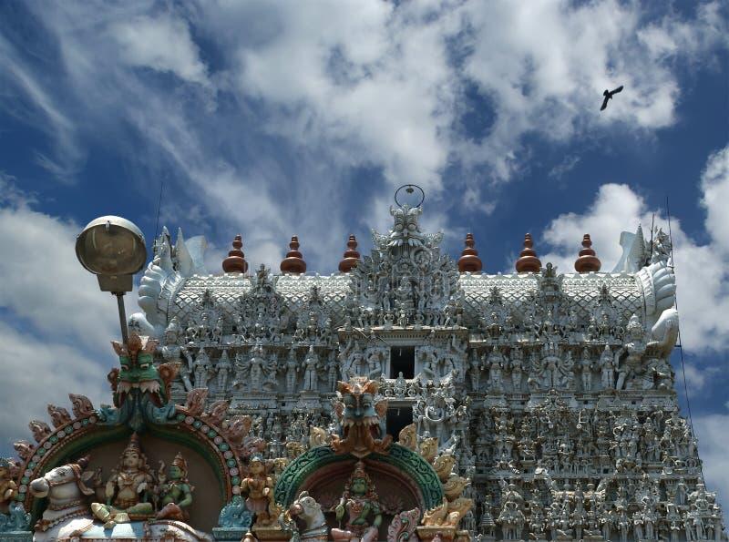 Suchindram tempel som är hängiven till gudarna Shiva, Vishnu och Brahma Kanniyakumari södra Indien arkivbild