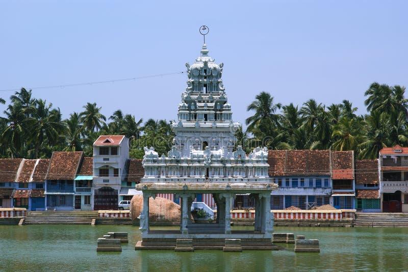 Suchindram tempel som är hängiven till gudarna Shiva, Vishnu och Brahma Kanniyakumari södra Indien royaltyfri bild