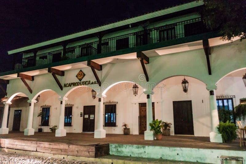 SUCHITOTO, SALVADOR - 6 AVRIL 2016 : Vieille maison coloniale dans Suchitoto, EL Salvad photographie stock libre de droits