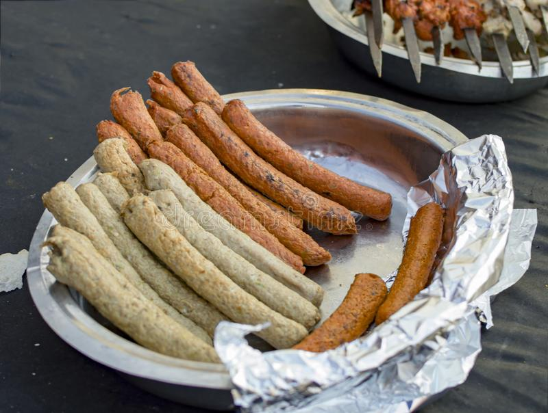 Suchvorgang- oder Steakkebabs vorbereitet stockfoto
