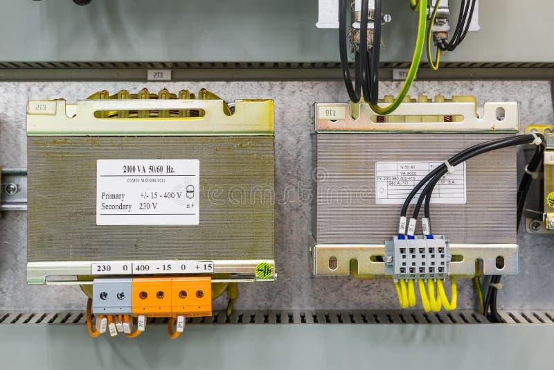 Download Suchy typ transformator obraz stock. Obraz złożonej z prąd - 106900019