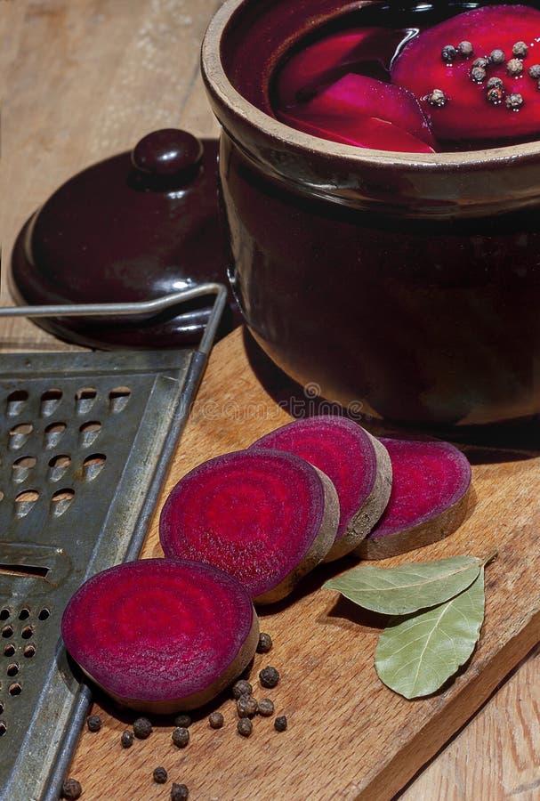 Suco das beterrabas vermelhas fotografia de stock