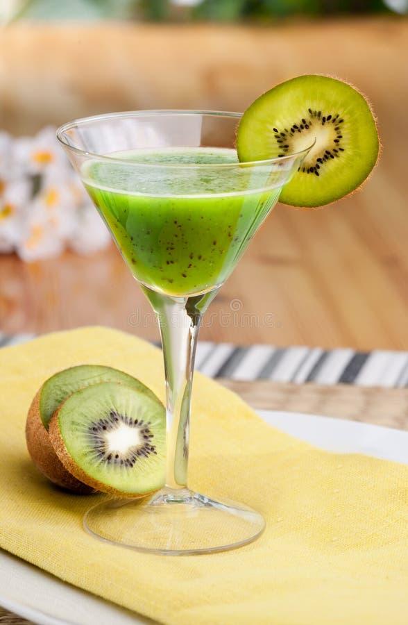 Suco de fruta mixa de quivi fotografia de stock