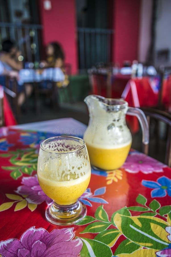 Suco de fruto da paixão, Salvador, Baía, Brasil imagens de stock royalty free