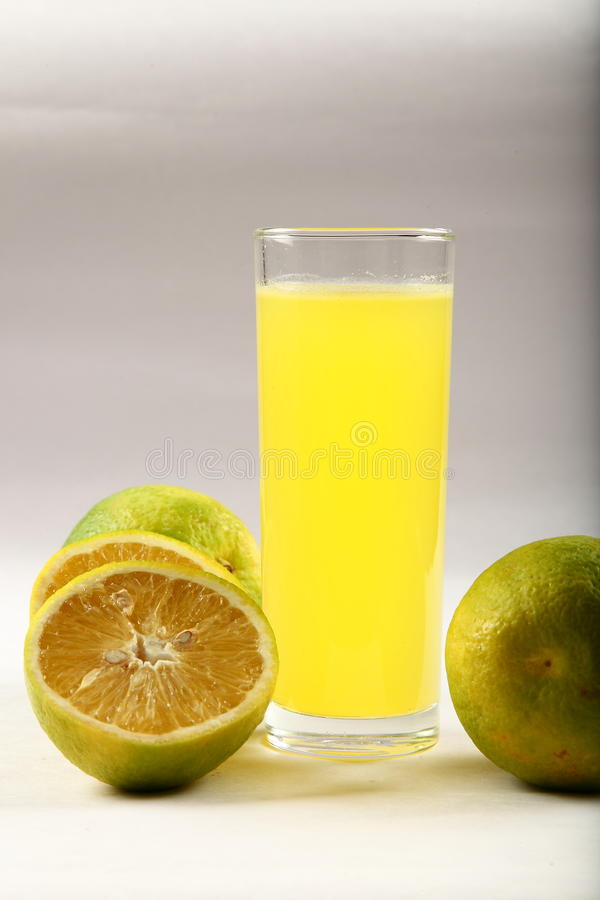 Suco de fruto fresco da desintoxicação fotos de stock