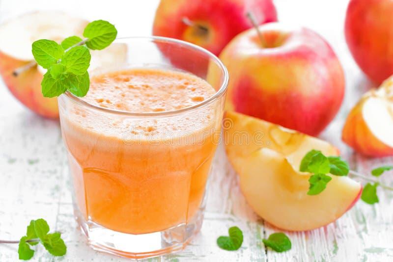 Suco de maçã fotografia de stock royalty free