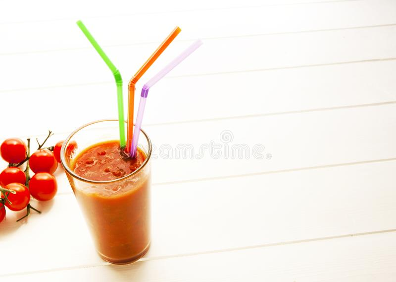 Suco de tomate orgânico foto de stock