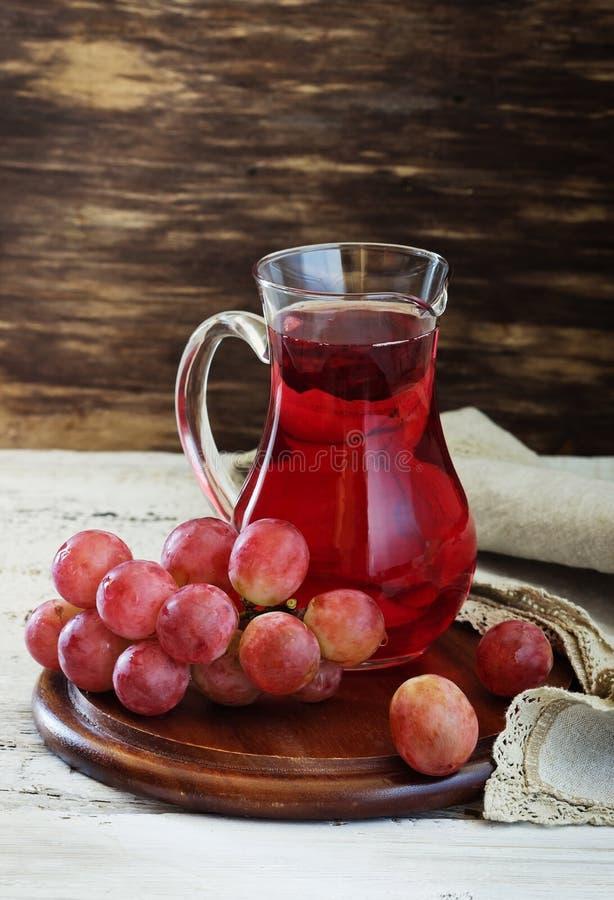 Suco de uva fresco imagem de stock royalty free
