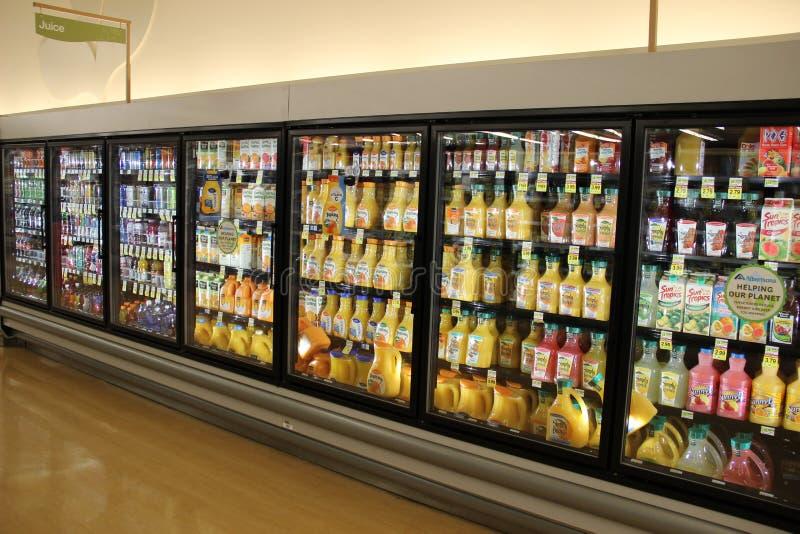 Suco do corredor do supermercado imagem de stock royalty free