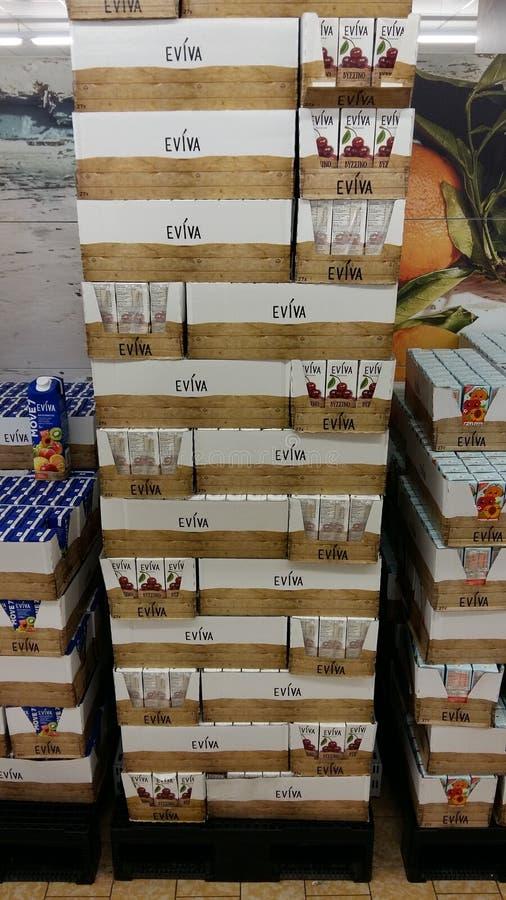 Suco no supermercado imagem de stock