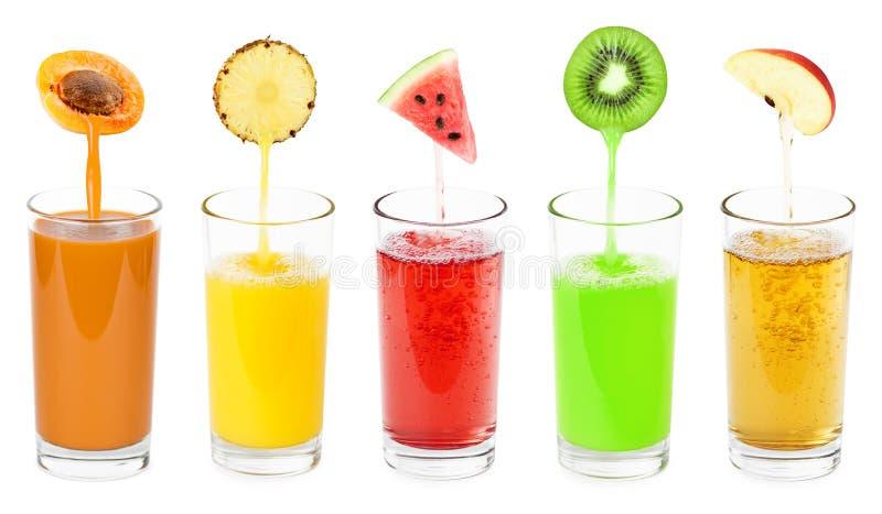 Sucos de fruta fresca imagens de stock royalty free