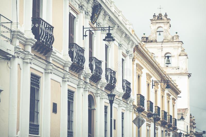 Sucre är den konstitutionella huvudstaden av Bolivia Traditionell colo arkivfoto