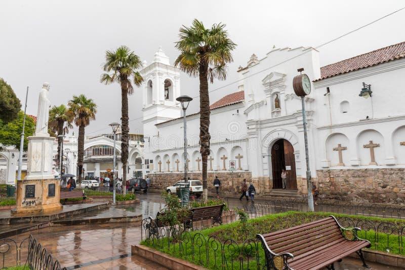 SUCRE BOLIWIA - FEBRUARI 08, 2018: San Francisco kyrka i Sucr arkivfoto