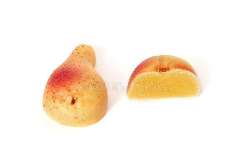 Sucrerie de fruit de massepain d'isolement sur le fond blanc photos stock